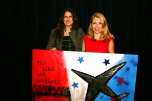 Elle van Rijn met haar Jessie's Artwork ( de Fly Like An Airplane)